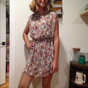 Zara | Ruffle Key Hole Floral Dress S